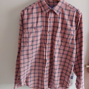 Patagonia organic cotton button up S